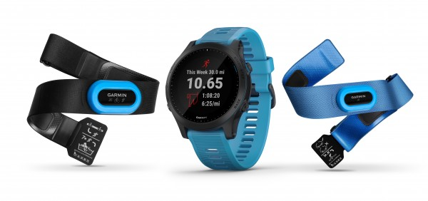 GARMIN Forerunner 945 Bundle Blau-Schiefer GPS Triathlon Smartwatch